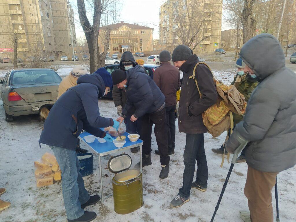 """Волонтёры фонда продолжают """"согревать сердца"""""""